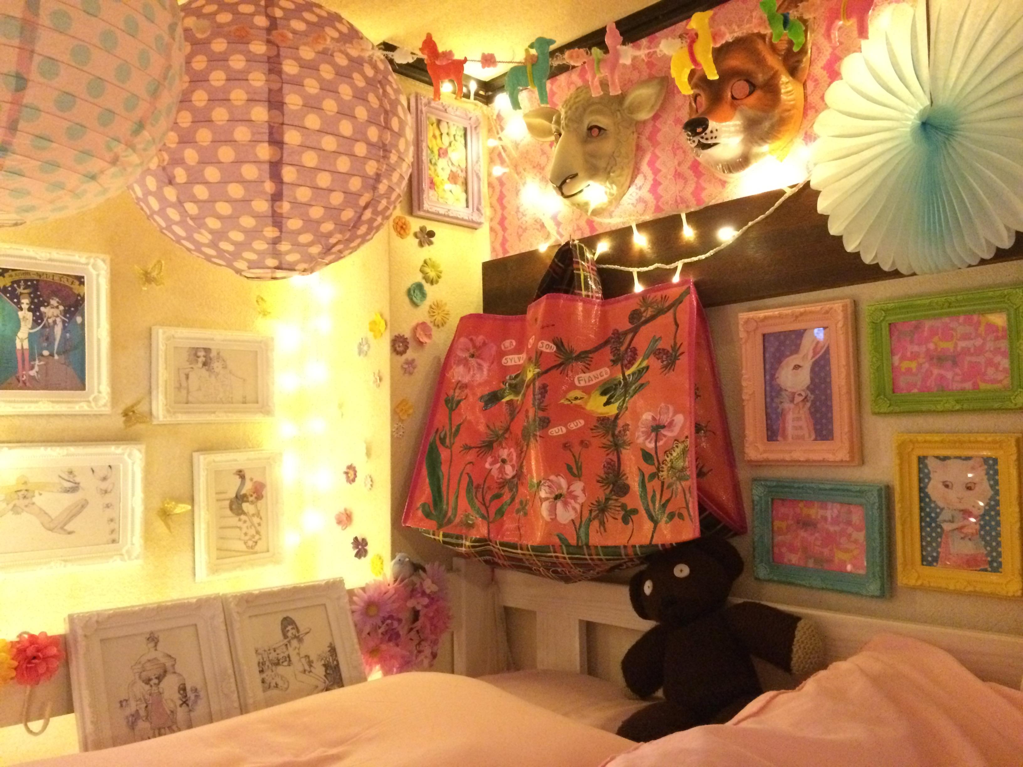ベッド周りの壁