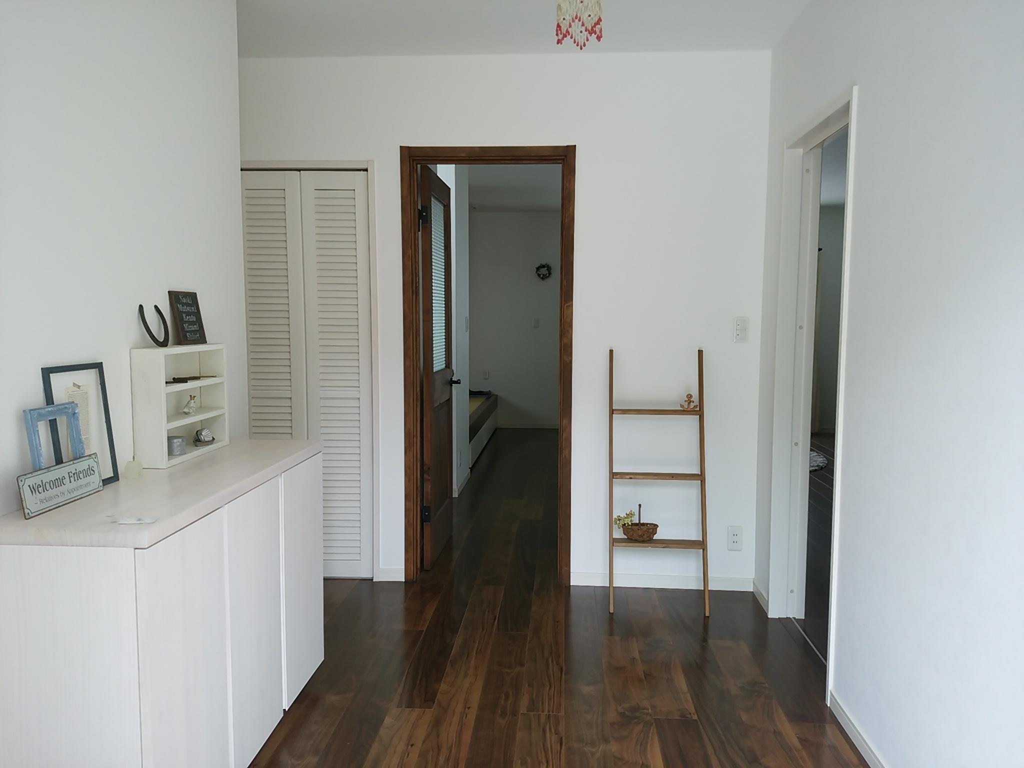 広々と設計した玄関